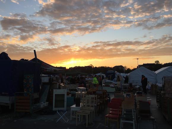 Flohmarkt Sonnenaufgang